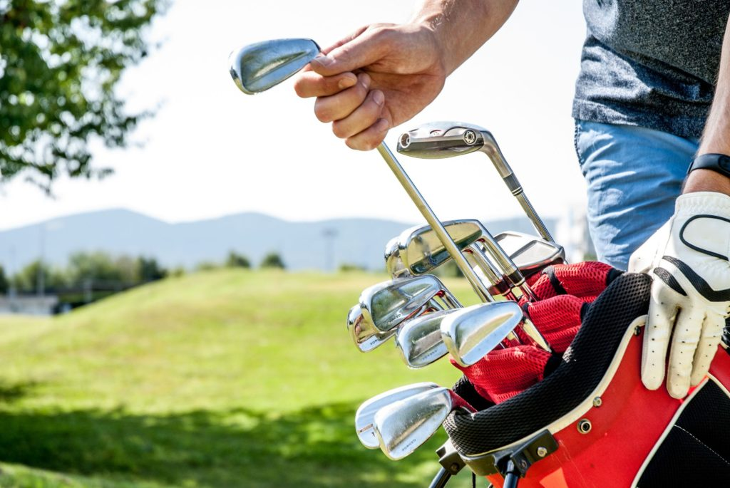 Comparing The Golf Equipments From Top Brands